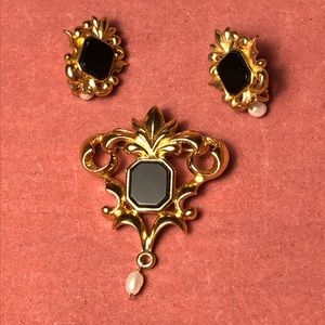 Vintage Avon Victorian Brooch & Clip Earrings Set